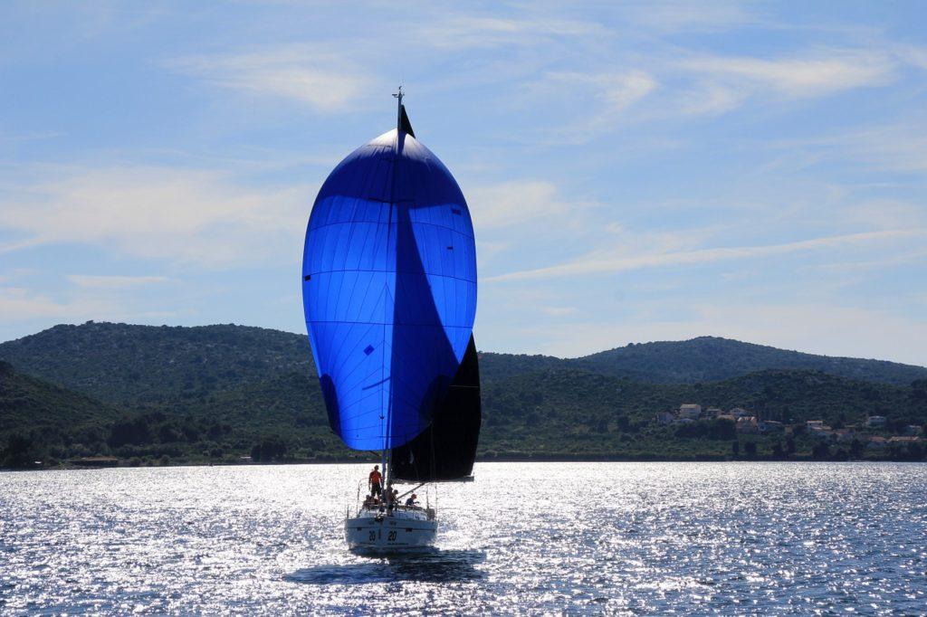 sailing-boat-1473281_1280